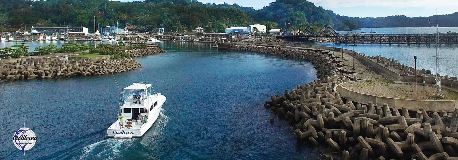 Caribsea Quepos sportfishing charter: entering marina back left