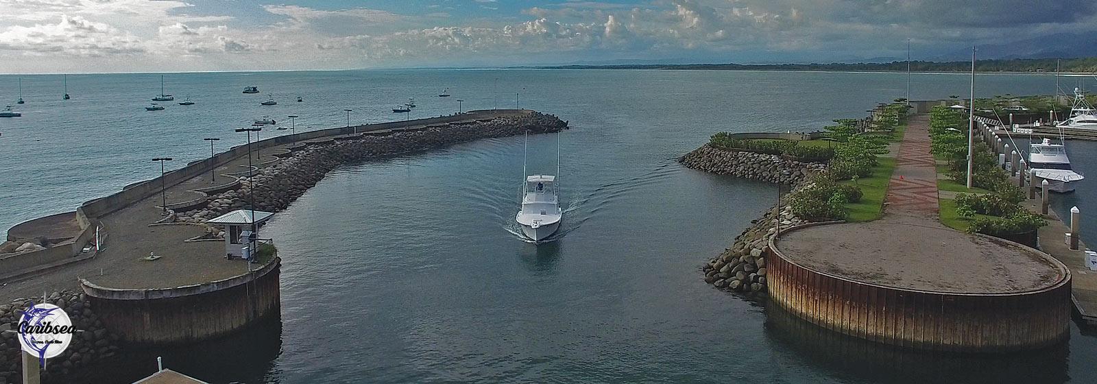 Caribsea Quepos sportfishing charter: entering marina